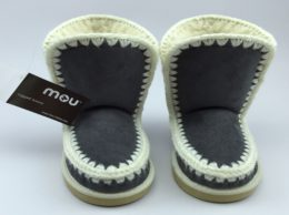 uggs-mou-a225-1